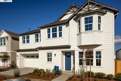 Newark Single Family Home For Sale: 37542 Back Bay Road