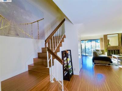 San Leandro Condo/Townhouse For Sale: 13867 Seagate Dr