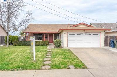 Livermore Single Family Home For Sale: 648 Lorren Way
