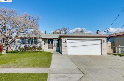 Newark Single Family Home For Sale: 35472 Orleans Dr