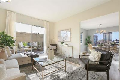 Oakland Condo/Townhouse For Sale: 320 Park View Ter #401