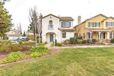 Hayward Single Family Home For Sale: 28551 Starboard Ln
