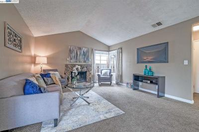 Fremont Condo/Townhouse Pending Show For Backups: 345 Torrano Cmn