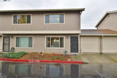 Castro Valley Condo/Townhouse Pending Show For Backups: 20240 San Miguel Ave