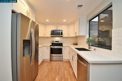 Walnut Creek Condo/Townhouse For Sale: 433 Pimlico Drive