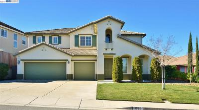 Single Family Home Sold: 1575 Rio Verde Cir