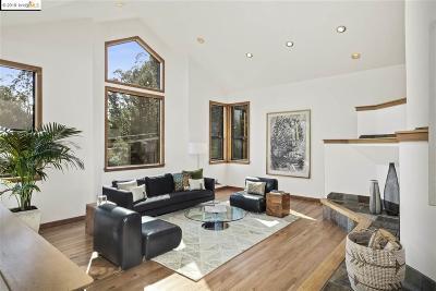 Oakland Single Family Home For Sale: 6988 Pinehaven
