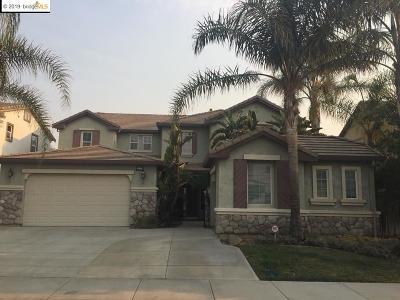 The Lakes Single Family Home For Sale: 5557 Arcadia Cir