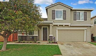 Discovery Bay Single Family Home For Sale: 2427 Aberdeen Ln