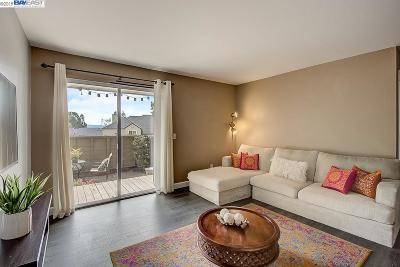 Hayward Condo/Townhouse For Sale: 685 Dartmore Ln #164