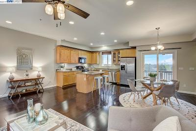 San Leandro Condo/Townhouse Active - Contingent: 1712 Liberty Pointe Way