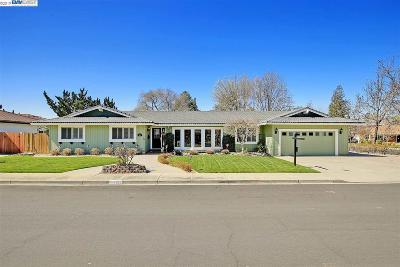 Livermore Single Family Home For Sale: 1011 Sherry Way