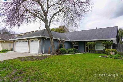 Stockton Single Family Home For Sale: 3455 Oak Grove Circle