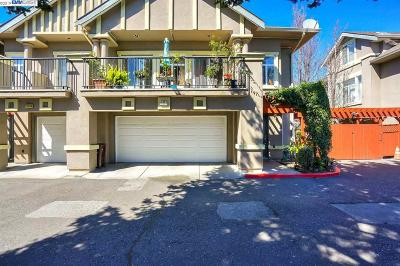Hayward Condo/Townhouse For Sale: 19553 Meekland Ave