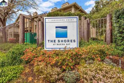 Richmond Condo/Townhouse For Sale: 203 Lakeshore Ct