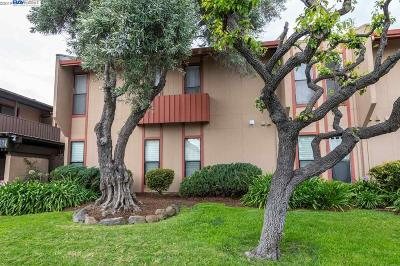 San Leandro Condo/Townhouse For Sale: 2347 Fairway Dr