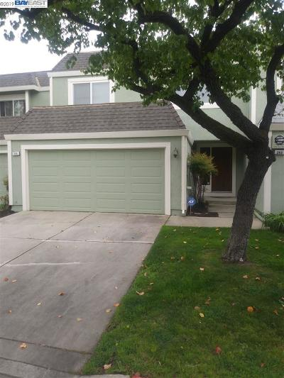 Pittsburg Condo/Townhouse Active-Short Sale: 235 Bay Crest Drive