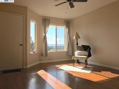 Hayward Condo/Townhouse For Sale: 20919 Locust St #K