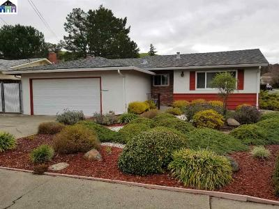 Pinole Single Family Home Active - Contingent: 3827 Madera St