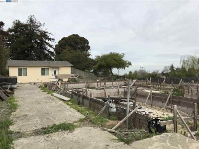 San Pablo Single Family Home Active-Reo: 1441 Rachel Rd