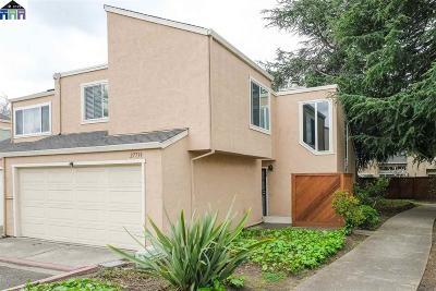 Hayward Condo/Townhouse For Sale: 27739 Pistachio