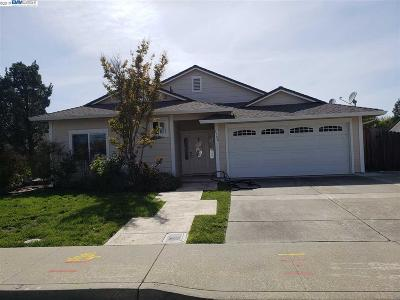 Livermore Single Family Home New-Short Sale: 1708 Rhododendron Drive