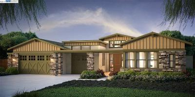 Moraga Single Family Home For Sale: 200 Fronteras Drive