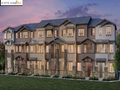 Hayward Condo/Townhouse For Sale: 105 Sunswept Court