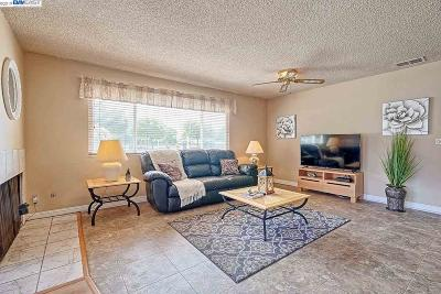 Fremont Condo/Townhouse For Sale: 3942 Lake Woodland Cmn
