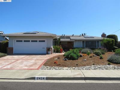 San Leandro Single Family Home For Sale: 2424 Harborview Dr