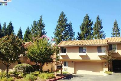 Moraga Condo/Townhouse For Sale: 144 Via Joaquin