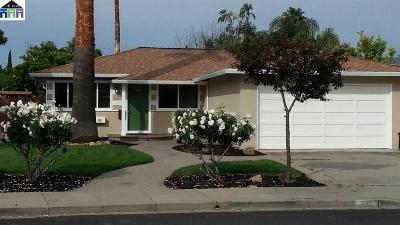 Single Family Home For Sale: 623 Los Alamos Ave