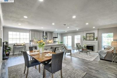 Newark Single Family Home For Sale: 6524 Cedar Blvd