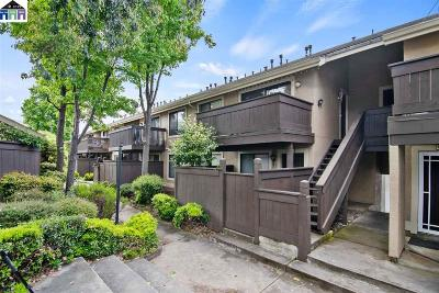 Fremont Condo/Townhouse For Sale: 46721 Crawford Street #4