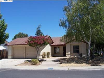 Manteca Single Family Home For Sale: 1132 May Ave