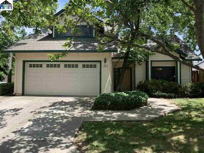 Brentwood Single Family Home For Sale: 216 Fruitwood Cmn