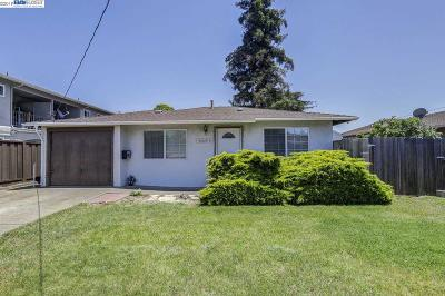Castro Valley Single Family Home For Sale: 20180 Anita Ave