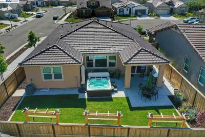 Tracy Single Family Home For Sale: 418 Golden Gate Ct