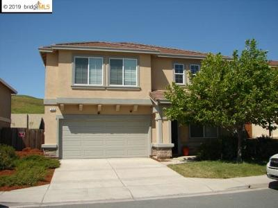 Single Family Home For Sale: 2638 Tampico Dr