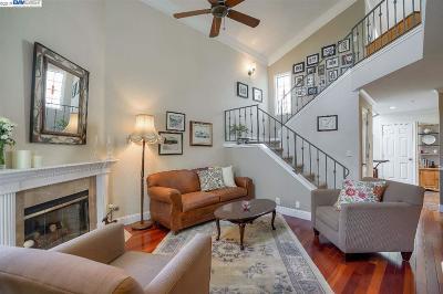 Fremont Condo/Townhouse For Sale: 39265 Marbella Terraza #8P