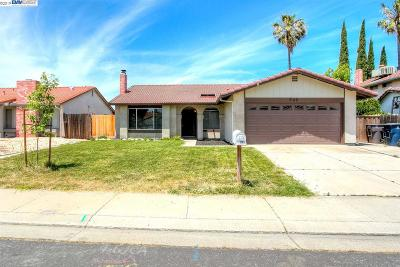 Tracy Single Family Home For Sale: 909 Scarlett Pl