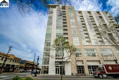 Condo/Townhouse New: 222 Broadway #708
