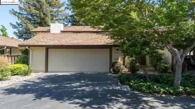 Walnut Creek Condo/Townhouse For Sale: 1693 Countrywood Ct