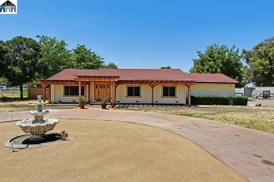 Tracy Single Family Home Active - Contingent: 23123 Currier Drive
