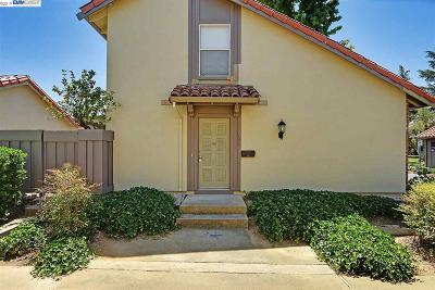 Pleasanton Condo/Townhouse For Sale: 1581 Calle Santa Anna