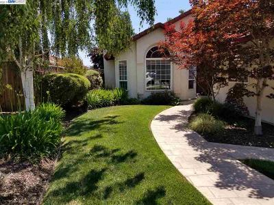 Livermore Single Family Home For Sale: 2363 Harewood Drive