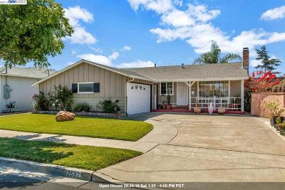 Hayward Single Family Home For Sale: 2532 Cryer St