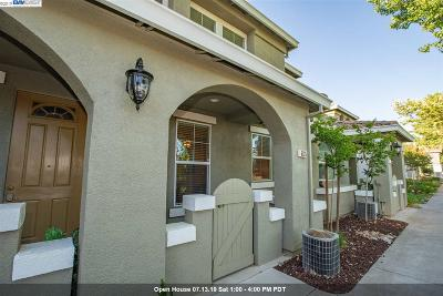 Livermore Condo/Townhouse For Sale: 6125 Forget Me Not