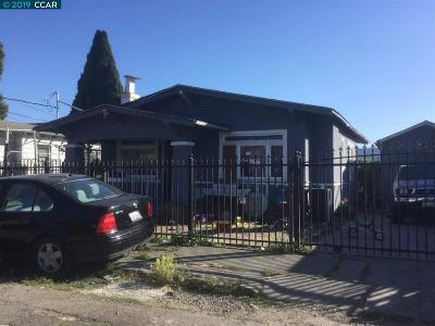 Oakland Single Family Home For Sale: 5829 Seminary Ct