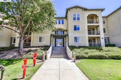 Fremont Condo/Townhouse For Sale: 38740 Tyson Ln #213B